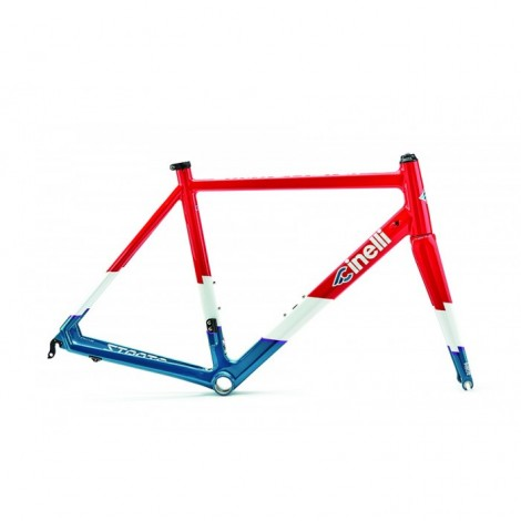 Telaio Cinelli Strato faster 2019 wreapped in red